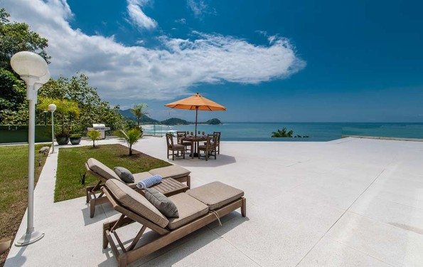 piso ideal para as piscinas